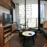 City Apartment, 3 Bedrooms - Living Room