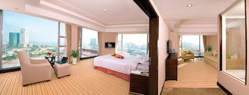 Picture of L Hotel Changsheng in Zhuhai