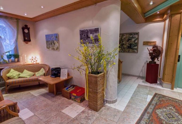 Landgasthof Hotel Rössle, Waldenbuch, Lobby Sitting Area
