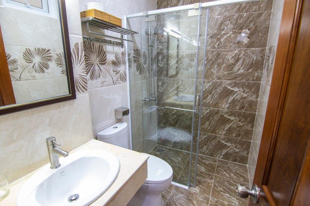 ห้องดีลักซ์สำหรับสี่ท่าน, วิวทะเล - ห้องน้ำ