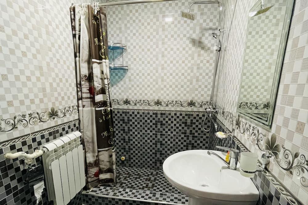 Zweibettzimmer, 2Schlafzimmer - Badezimmer