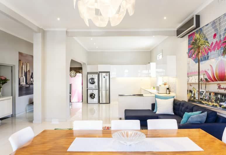 Flamingo Sea Point, Cape Town, Premium Apartment, 4 Bedrooms, Non Smoking, Sauna, Living Area