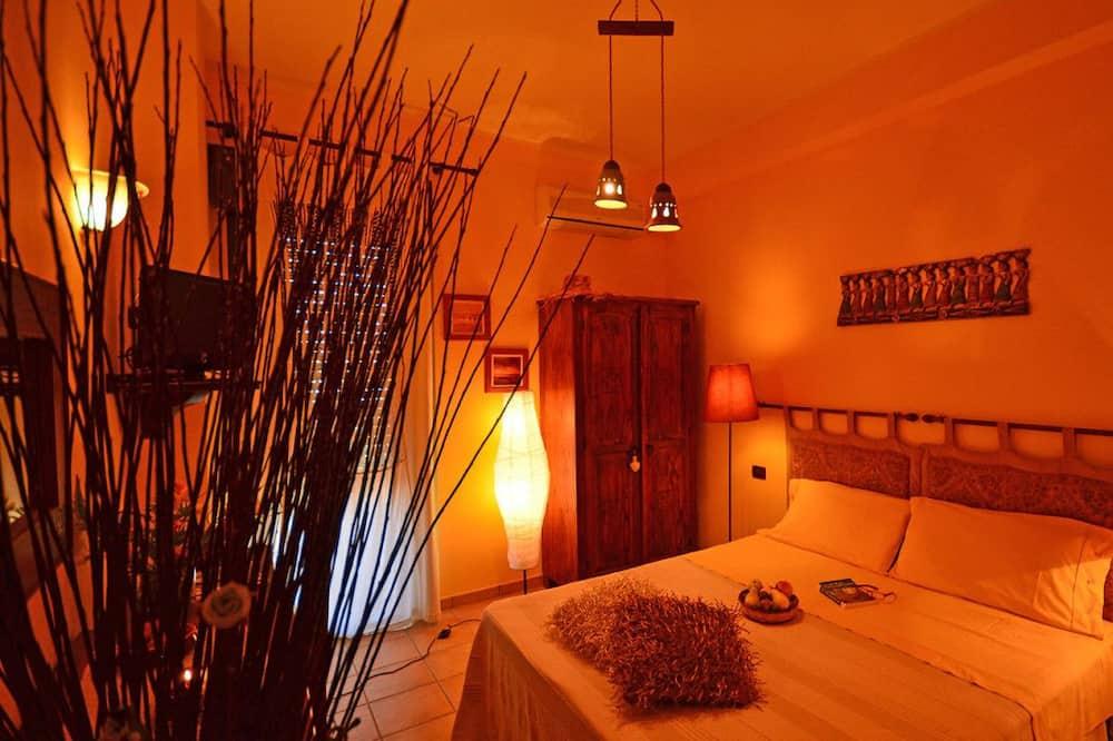 Dobbelt- eller tomannsrom – deluxe, 1 queensize-seng, ikke-røyk - Gjesterom