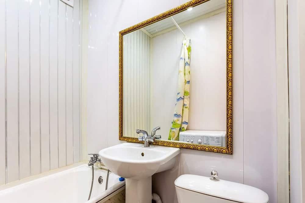 Standard Apartment (Shchelkovskoye shosse, 46) - Bathroom