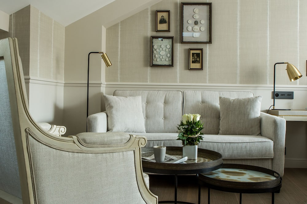 Apartmá s ložnicí a obývacím koutem (La Demeure Gustavienne) - Obývací prostor
