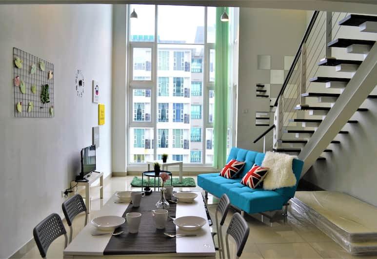 KL118 Duplex Suite Scott Garden KL, Kuala Lumpur, Family Duplex, 2 Bathrooms, City View, Room