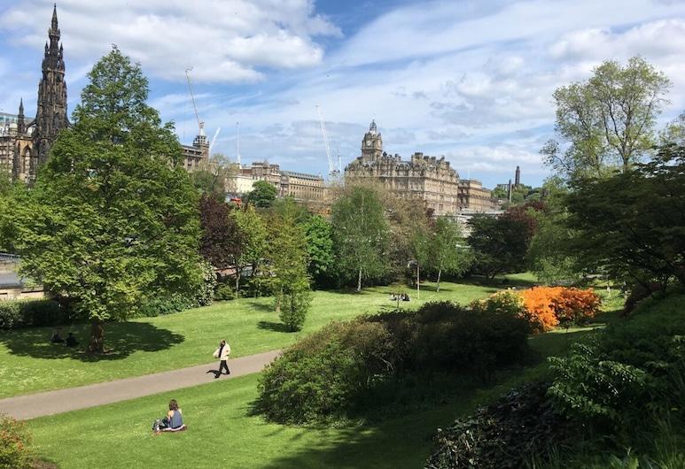 Central Edinburgh With Private Entrance & Patio, אדינבורו