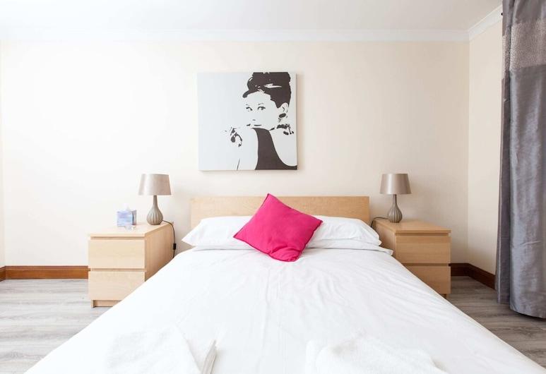 Beautiful 2 Bedroom Flat In Converted Distillery, Edinburgh