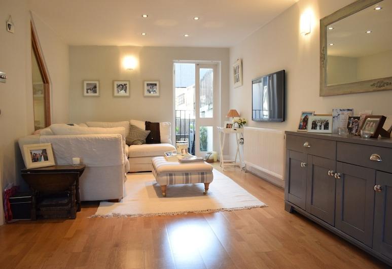 1 Bedroom Flat Near Wimbledon, London