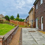 House (3 Bedrooms) - Property Grounds
