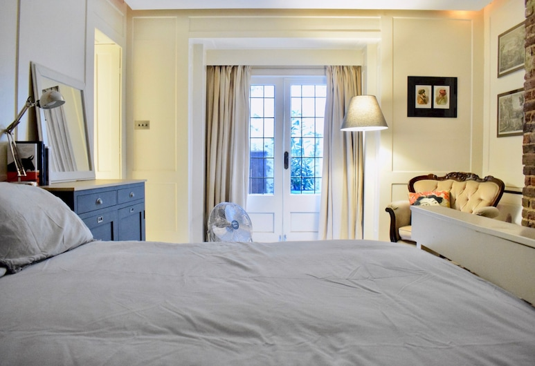 1 Bedroom Apartment Next To Russell Square, Lontoo