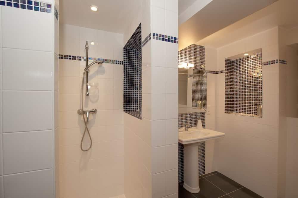 Double Room (1 - Indigo) - Bathroom