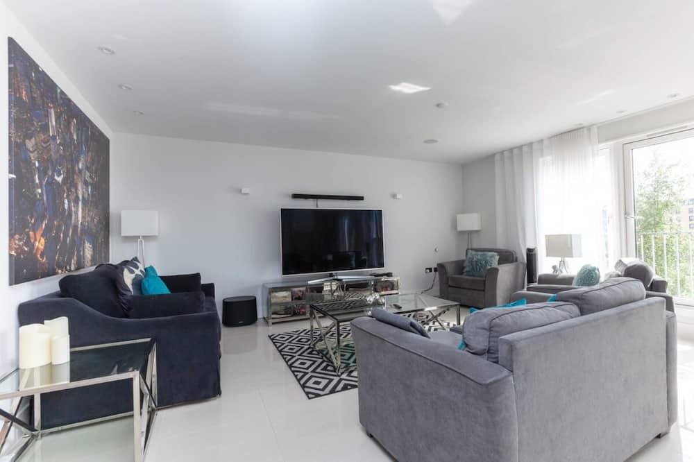 Apartment (3 Bedrooms) - Wohnzimmer