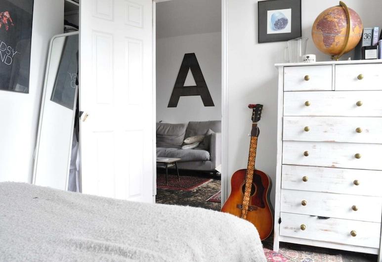 1 Bedroom Flat Near Battersea Park, Londra