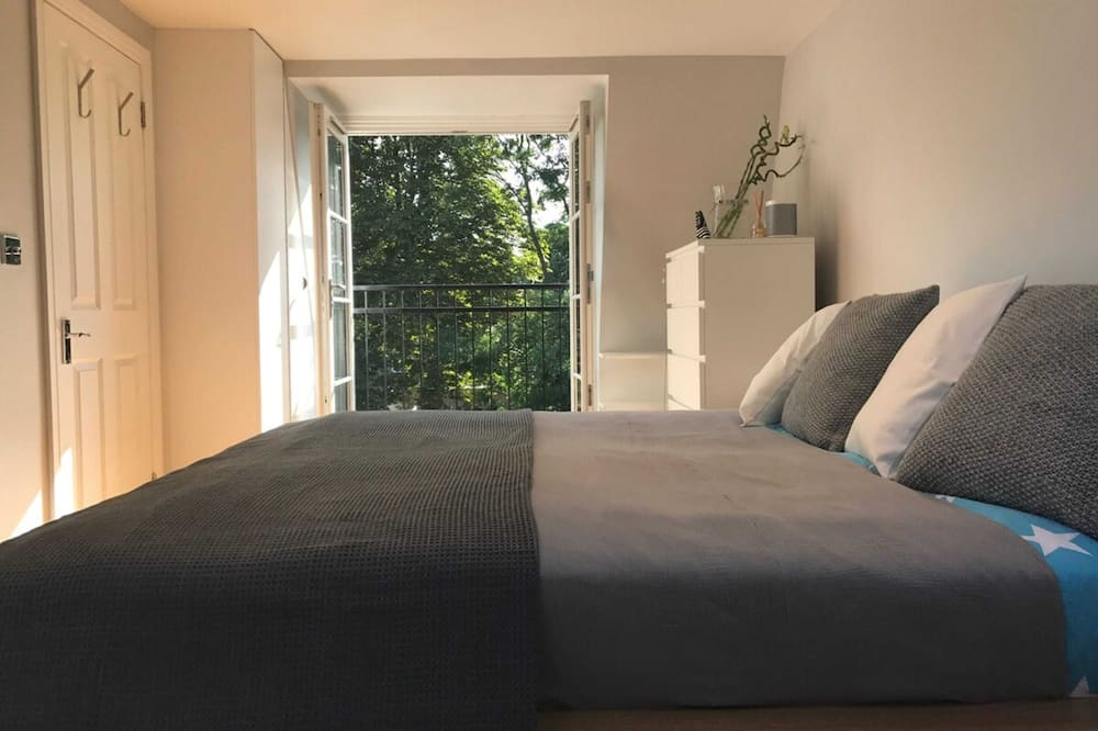 House (2 Bedrooms) - Room
