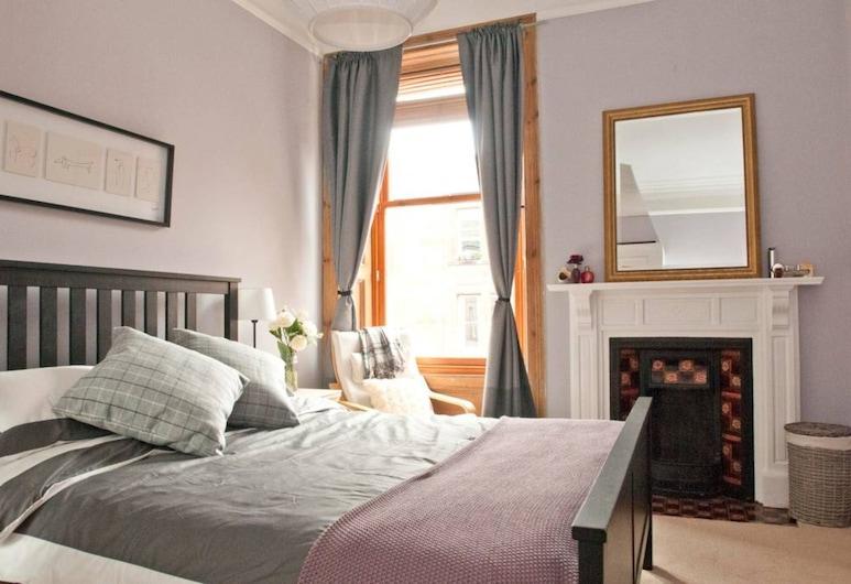 3 Bedroom Home In Bonnie Bruntsfield, Edinburgh, Apartment (3 Bedrooms), Room
