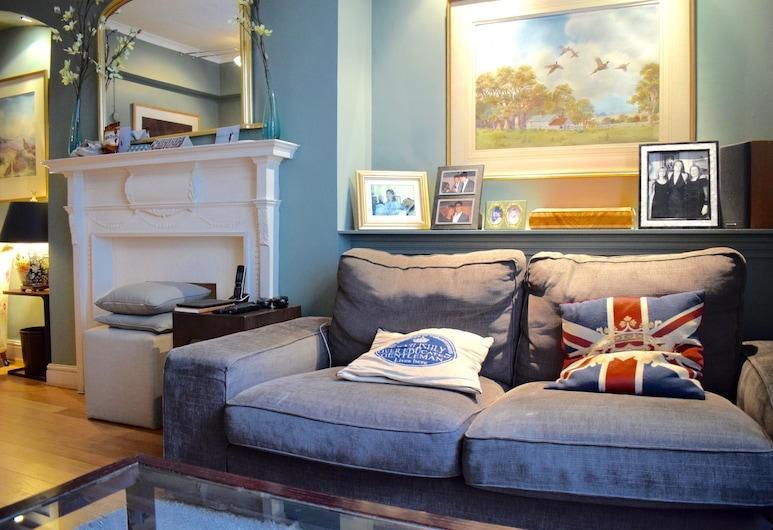 2 Bedroom Flat in Paddington, Londonas