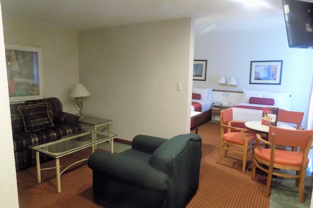 Стандартный люкс, 2 двуспальные кровати - Гостиная