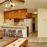 Condo, 2 Bedrooms, Kitchen, River View - Living Area