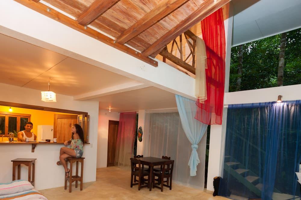 Classic-talo, Useita sänkyjä, Yksityinen uima-allas, Vuorinäköala (Casa Colibri) - Oleskelualue
