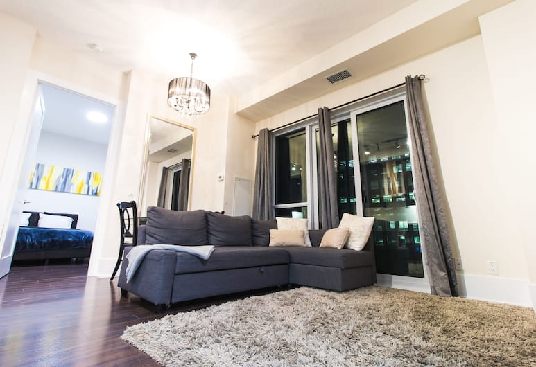 Luxury One Bedroom by Rogers Centre, Toronto