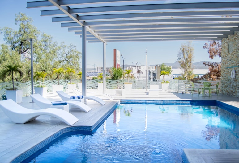 Hilton Garden Inn Leon, Leon, Pool
