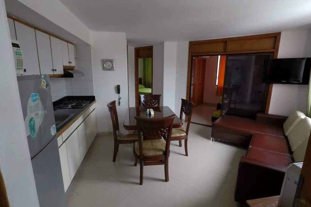 Family Apartment, 2 Bedrooms, Ocean View - In-Room Dining