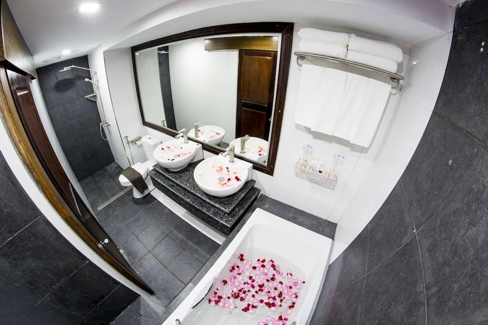 ห้องแฟมิลี่สวีท - ห้องน้ำ