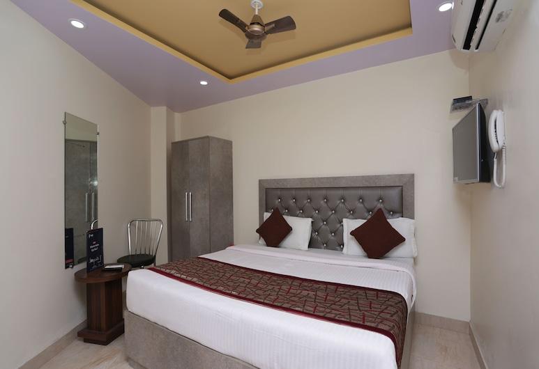 OYO 13455 Rama Krishna Hotel, New Delhi, Double or Twin Room, Guest Room
