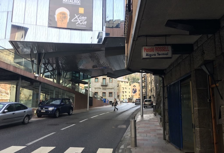 Albergue Pension Rossell, Escaldes-Engordany, Wejście do hotelu