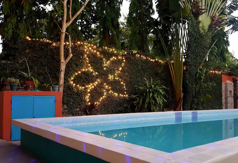 Hotel y Restaurante Villa Jazmines, San Benito, Pool