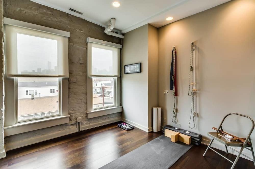 Luxusný ateliérový apartmán, balkón, výhľad na mesto - Obývacie priestory