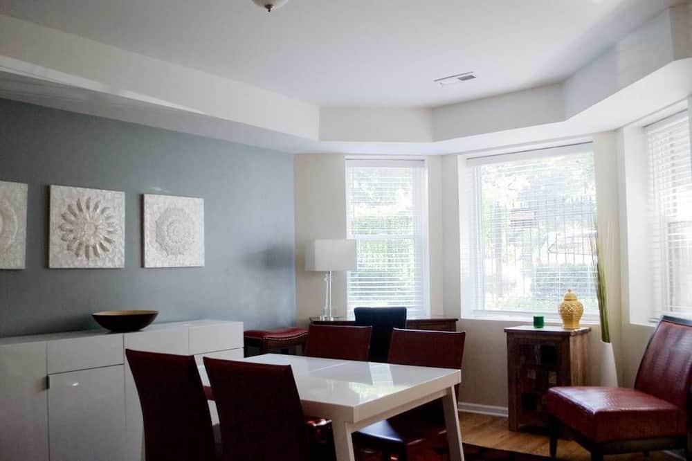 Rodinný dvojposchodový apartmán, kuchyňa - Stravovanie v izbe