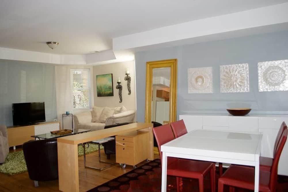 Rodinný dvojposchodový apartmán, kuchyňa - Obývacie priestory