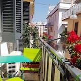 Habitación con 1 cama doble o 2 individuales, 1 habitación, fumadores, baño compartido - Balcón