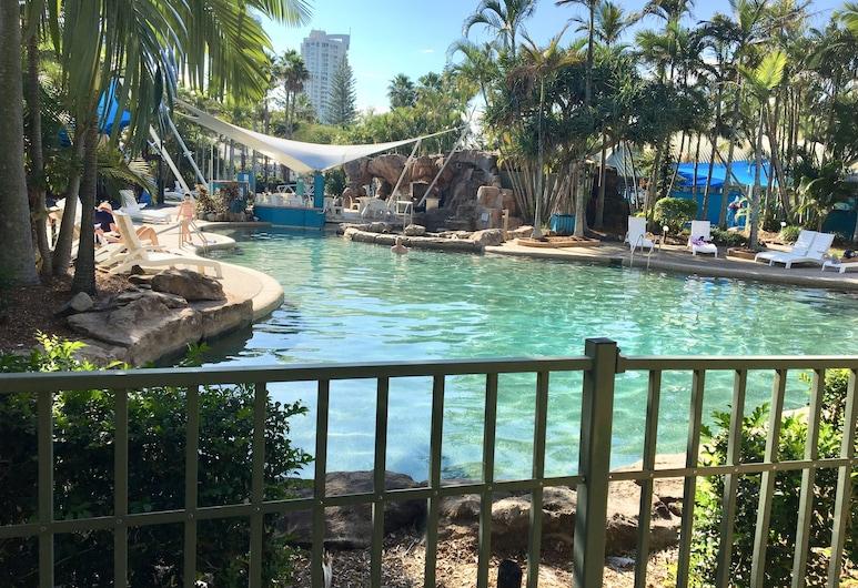 DB Broadbeach Private Apartments with Coastal Holiday Apts, Mermaid Beach, Deluxe villa, 2 slaapkamers, uitzicht op zwembad, Aan het zwembad, Kameruitzicht
