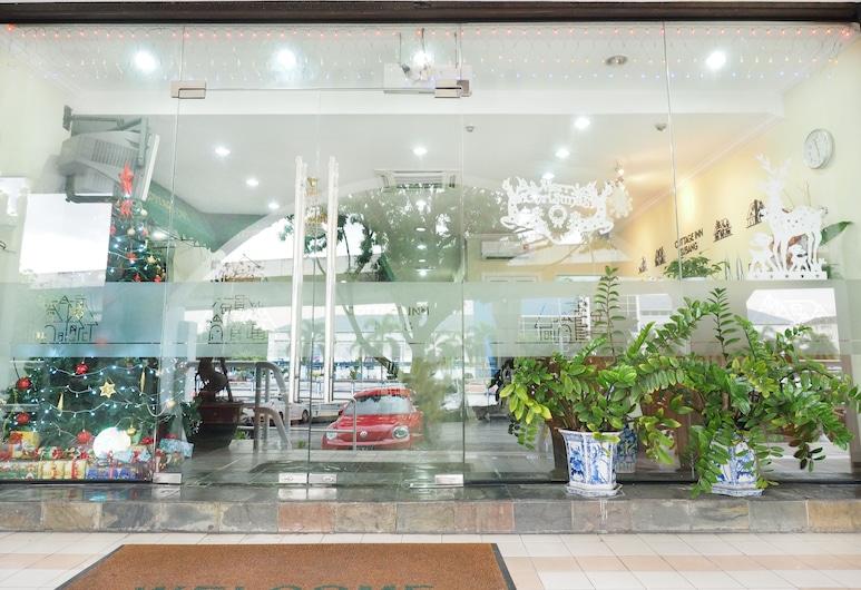 Cottage Inn Subang, Subang Jaya, Hotel Entrance