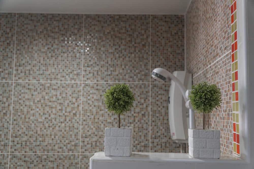 Superior-Doppelzimmer - Dusche im Bad