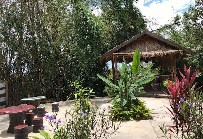 Pukyo Bed and Breakfast, Phonsavan, Terrace/Patio