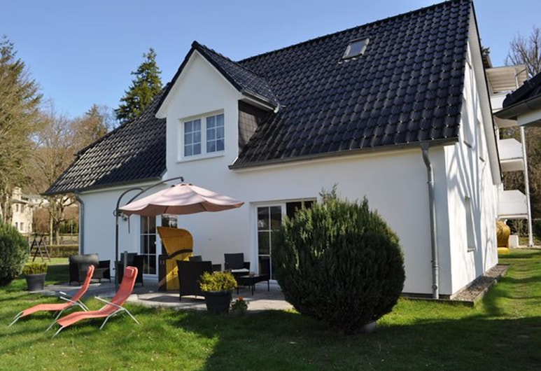 Pension Villa Frohsinn, Зеллин, Фасад отеля