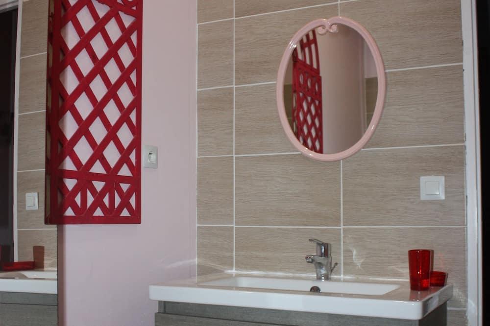 Doppelzimmer (Treillage) - Badezimmer