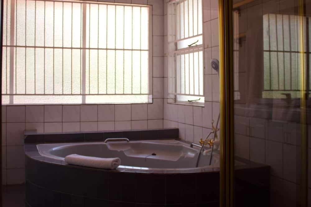 Chambre Double (Large) - Salle de bain