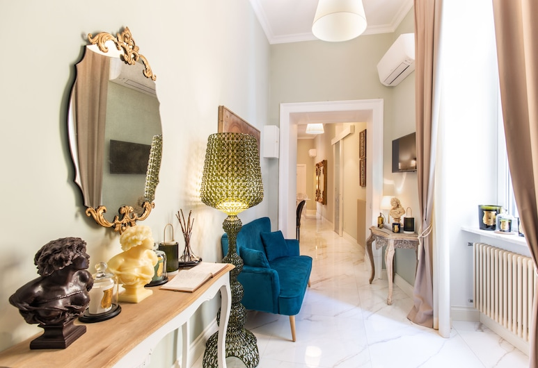Macchiato Suites, Neapel, Reception
