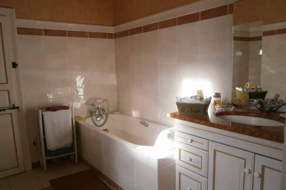 Tek Büyük veya İki Ayrı Yataklı Oda (Bleue) - Banyo