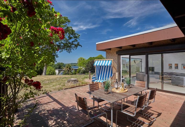 Haus Panoramic, Malente, Departamento Deluxe (10 Incl. Cleaning Fee E 165,-), Terraza o patio