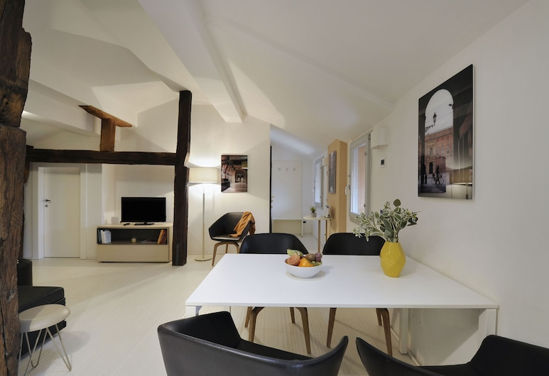 Azzoguidi  -  Refined apartment, perfect location, lovely view (Piazza Maggiore), Bologna, Appartamento, Soggiorno