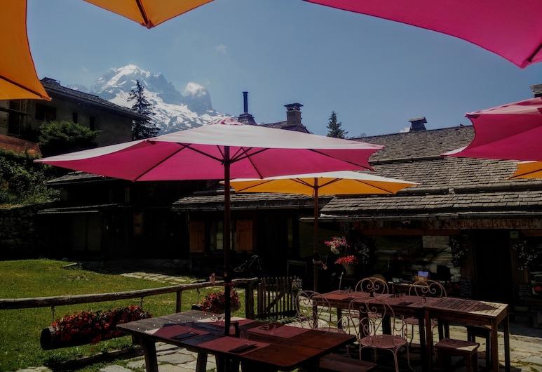 Auberge La Boerne, Chamonix-Mont-Blanc, Terasa/trijem
