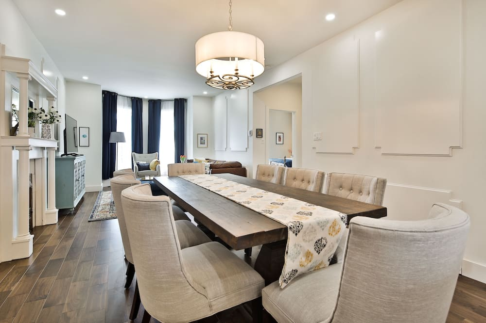 Exclusive Apartment, 3 Bedrooms, Non Smoking (Suite 5) - Room