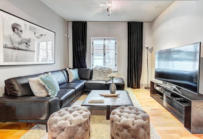 Lofts Saint Paul Vieux Montreal, Montreal, Penthouse, 3 Bedrooms, Non Smoking, Living Area
