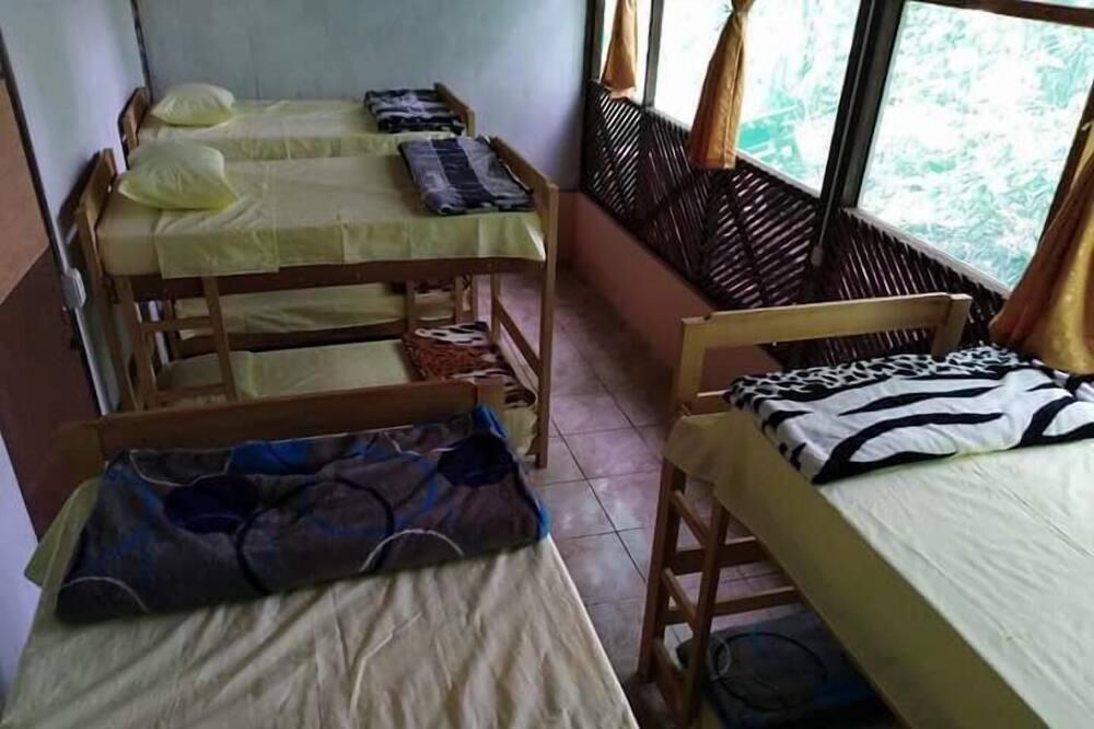 Bungalow Tradicional, várias camas, Casa de Banho Partilhada - Comodidades da Casa de Banho